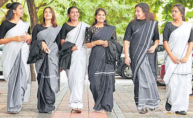 Vidhi Collections: Kerala Woman Lawyers Add Glitz to Dress Code,Kasavu Sarees - Sakshi