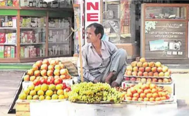 Hawkers Struggle After Lockdown In Telangana - Sakshi