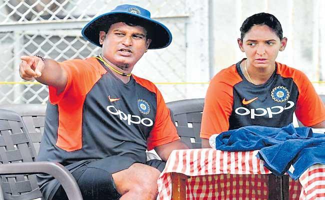 Ramesh Powar appointed head coach of Indian Womens Cricket Team - Sakshi