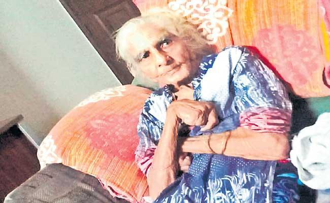 52 Covid survivors died of black fungus in Maharashtra so far - Sakshi