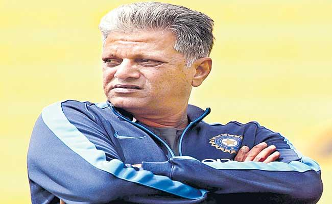 WV Raman Slams Star Culture In Indian Womens Team, letter to dravid, ganguly - Sakshi