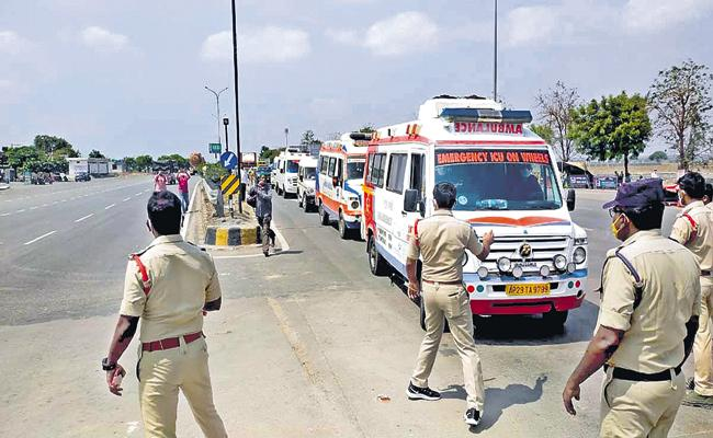 Telangana High Court is angry over TS Govt For Stopping AP ambulances - Sakshi