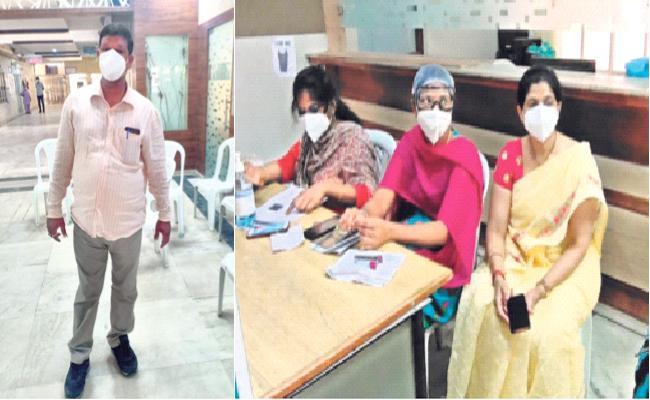 King Koti Hospital: Ambulance Driver Try To Attack Doctors Over Vaccine - Sakshi