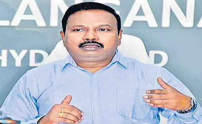 Public Health Director Gives Clarity On Telangana Stops Ambulances - Sakshi