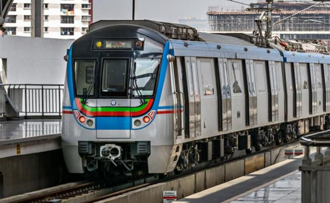 Hyderabad Metro Incurs Heavy Loss Due To Covid 19 Crisis And Lockdown - Sakshi