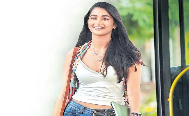 Pooja Hegde to play a stand up comedian in Most Eligible Bachelor - Sakshi