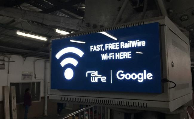 Free Wi Fi Now at 6000 Railway Stations - Sakshi