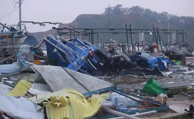 12 Killed, Over 300 Injured In Tornado Strikes In China - Sakshi