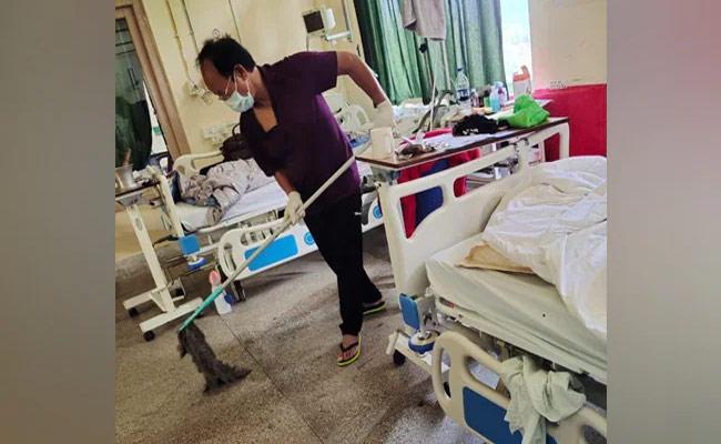 Mizoram Minister Cleans Hospital  Floors While Undergoing Covid Treatment - Sakshi