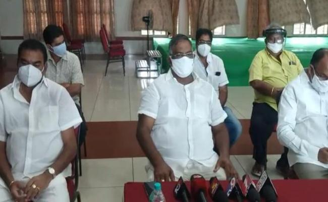 Kshatriya Leaders Fires On MP Raghu Rama Krishnam Raju - Sakshi