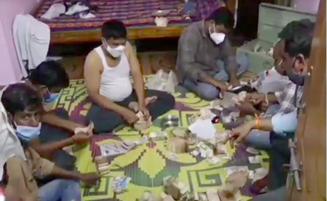 5 Lakh Rupees Found in Beggar House In Tirumala Tirupati - Sakshi