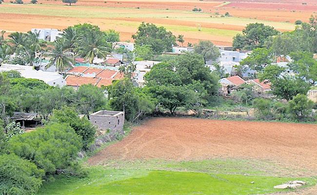 Adiguppa Village is best in Corona control - Sakshi