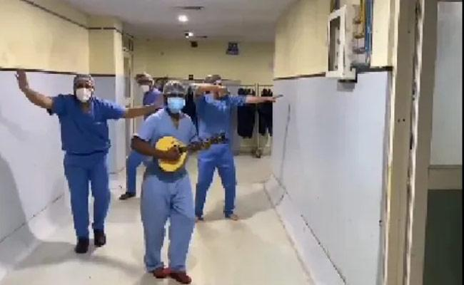 Doctors Dance On Salman Seeti Maar Song Disha Patani Praise Them - Sakshi