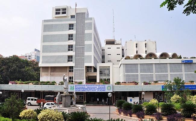 GHMC Website No Updates About Covid Containment Zones Hyderabad - Sakshi