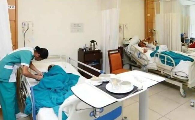 Corporate Hospitals Taking Huge Money For Corona - Sakshi