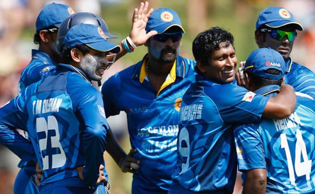 SL Cricket In Crisis, Senior Players Reject Central Contract Terms - Sakshi