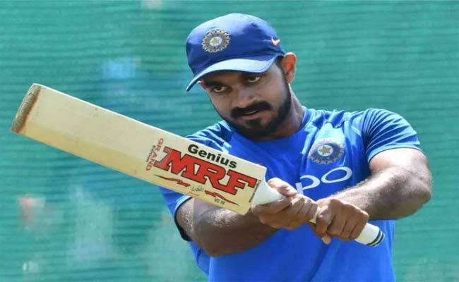 Vijay Shankar Trolled For Comparing With Jacques Kallis And Shane Watson - Sakshi