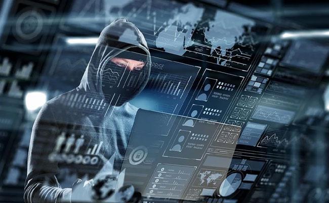 Cyber Criminal Stolen 1 Lakh 92 Thousand From Traders In Karnataka - Sakshi