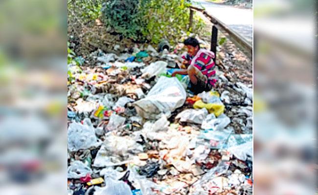 Covid Worst situation in Karnataka Hassan District - Sakshi