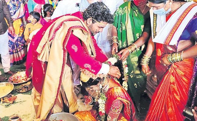 Corona Virus Impact On Marriages In India - Sakshi