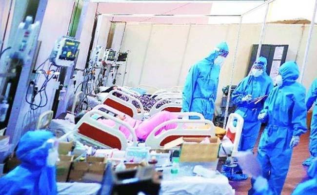 Corona Patients Escaped From King Koti Hospital Hyderabad - Sakshi