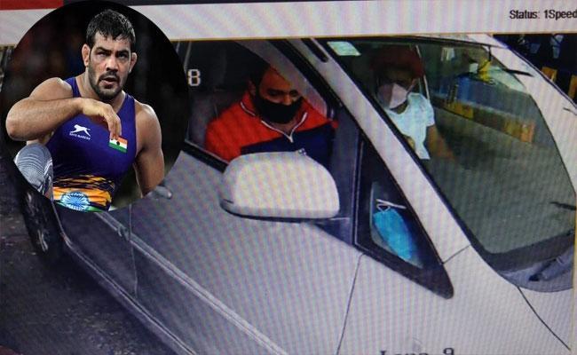 Picture Of Absconding Sushil Kumar Sitting In Car Meerut Surfaces Viral - Sakshi