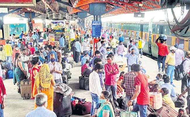 Sujata Gothoskar Article On Migrant Workers - Sakshi