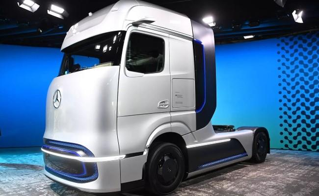 Daimler Truck says Batteries, Hydrogen are the Future - Sakshi