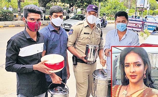 Manchu Lakshmi Supplies Meals To Police On Lockdown Duties - Sakshi