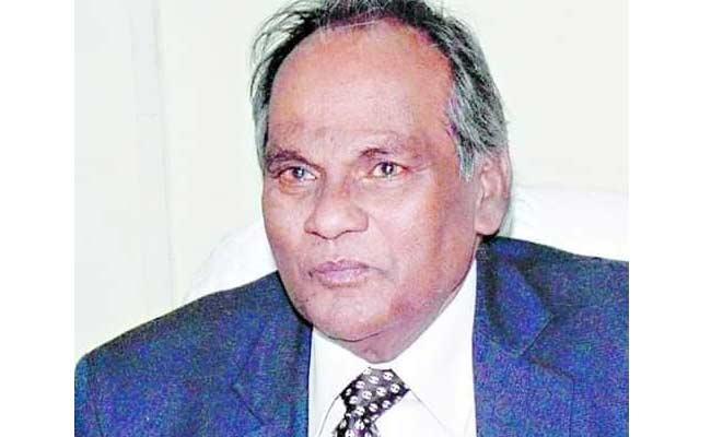 AU Former Vice Chancellor Acharya YC Simhadri Passed Away - Sakshi