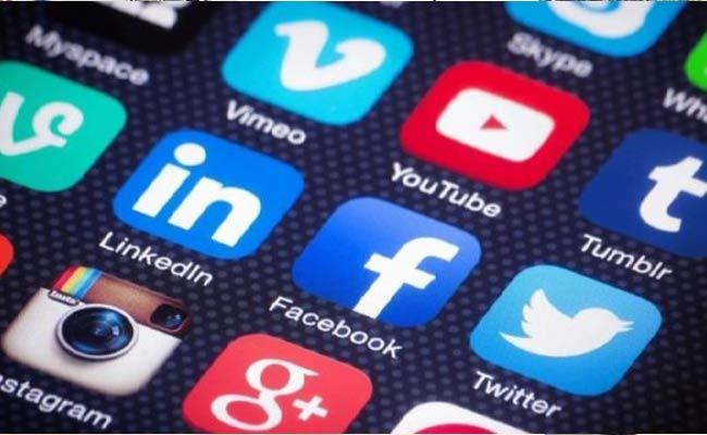 India Asks To Social Media Firms To Remove Indian Variant Content - Sakshi