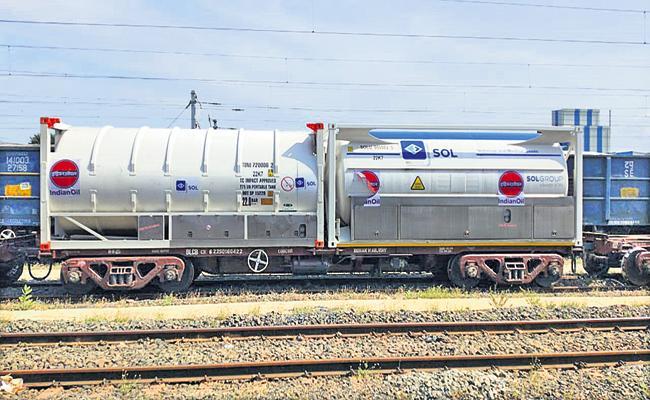 Oxygen Express to Krishnapatnam - Sakshi