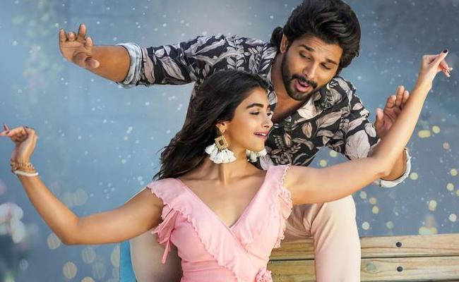 Allu Arjun Butta Bomma Song Hits Four Million Likes - Sakshi