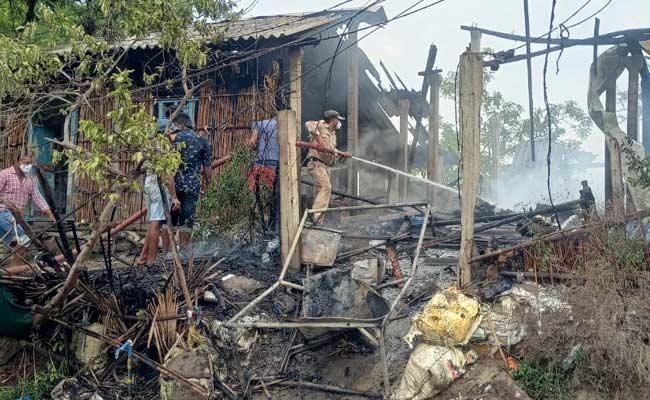House Burned Down In West Godavari - Sakshi