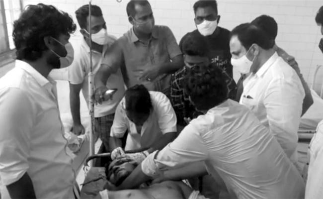 TDP Ex MLA And His Followers Attacks YSRCP Activists In Banaganapalli - Sakshi