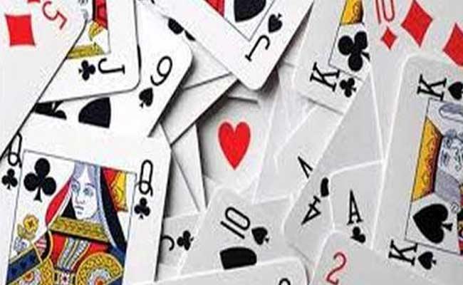 Constable Gambling With TDP Leader In Tadipatri - Sakshi