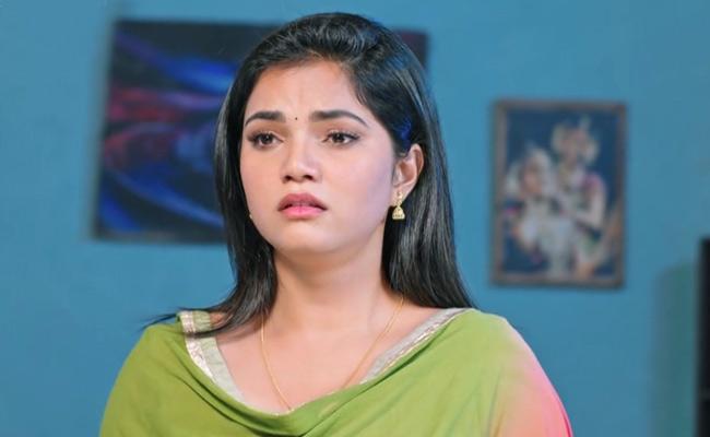 Devatha Serial :  Satya Decides To Move Into Devudammas Home - Sakshi