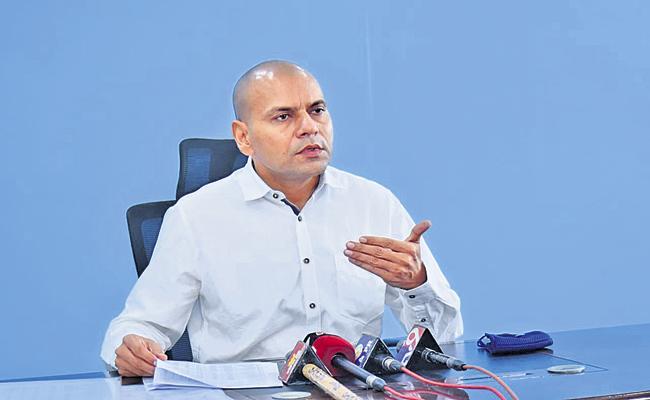 Anil Kumar Singhal Says That Corona cases decreasing from last three days - Sakshi