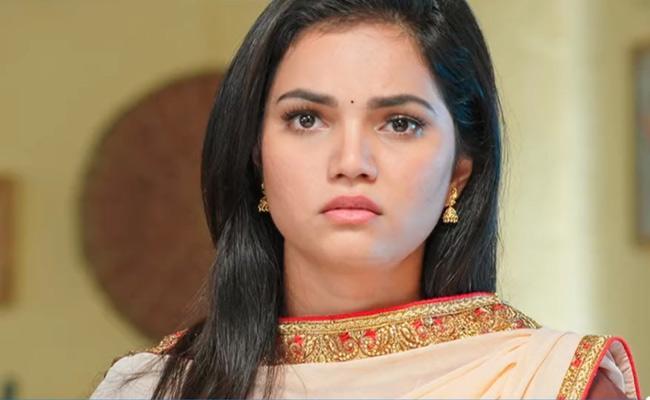Devatha Serial : Satya Shares Her Grief With Rukmini - Sakshi