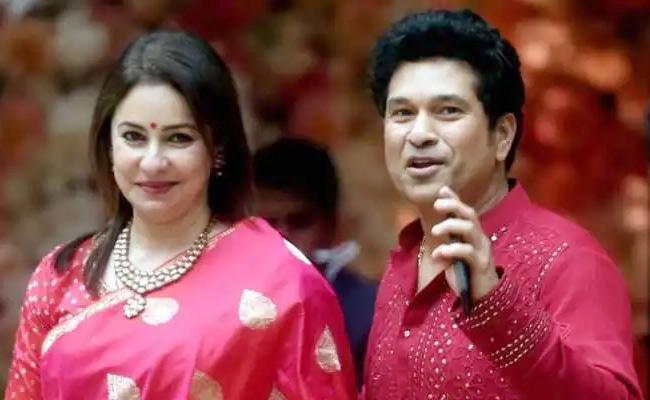 Sachin Tendulkar Told Anjali To Pretend To Be Journalist While Meeting His Parents - Sakshi