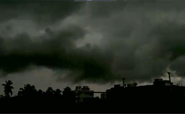 The Scene Before The Arrival Of Super Cyclone Yaas - Sakshi