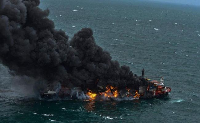 Indian Coast Guard Rushes Help Fire Continues To Rage On container ship - Sakshi