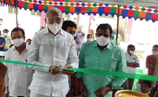 Minister Chelluboina Venu Gopala Krishna Started Sukumar Oxygen Plant In Rajol - Sakshi