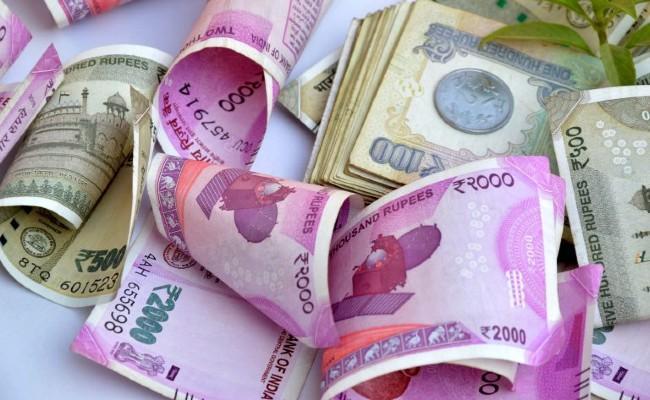 Banks Sanction Over Rs 15 Lakh Crore under Mudra Yojana Scheme - Sakshi