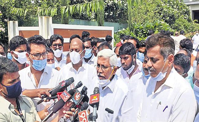 Kodandaram Konda Vishweshwar Reddy Given Suggestions To Etela - Sakshi