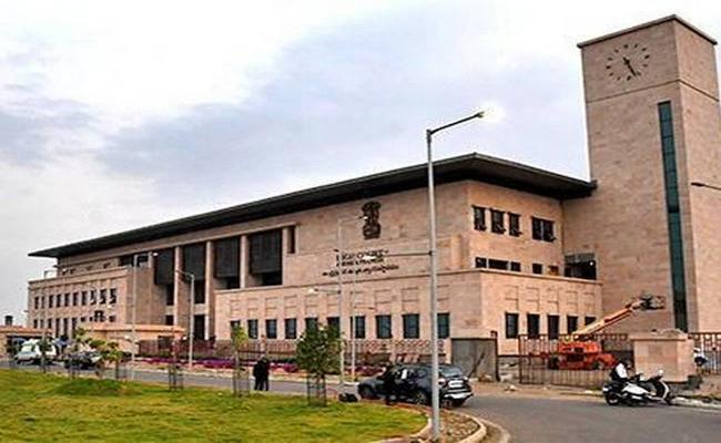 Ap High Court Orders Quick Decision On Anandaiah Medicine - Sakshi