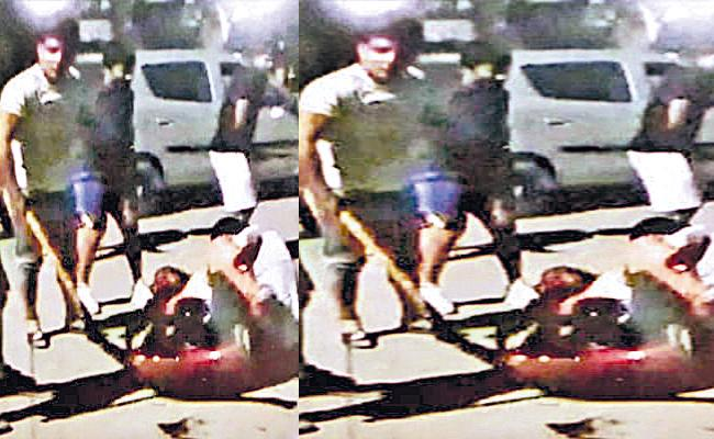 Sushil Kumar Image Shows He Attacked Young Wrestlers Who Succumbs - Sakshi