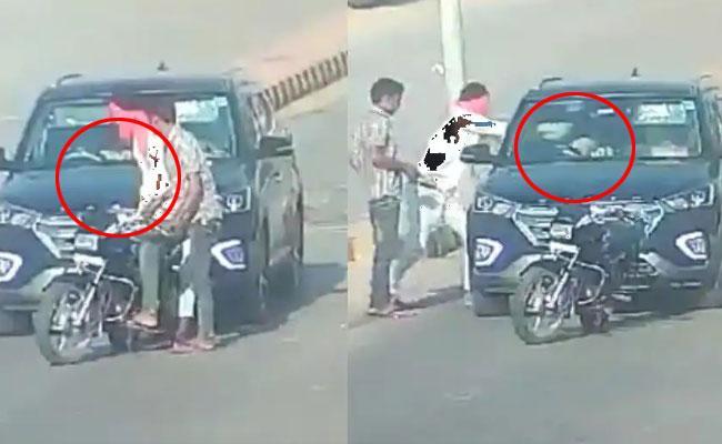Rajasthan Doctor Couple Gun Shot In Day Light  - Sakshi