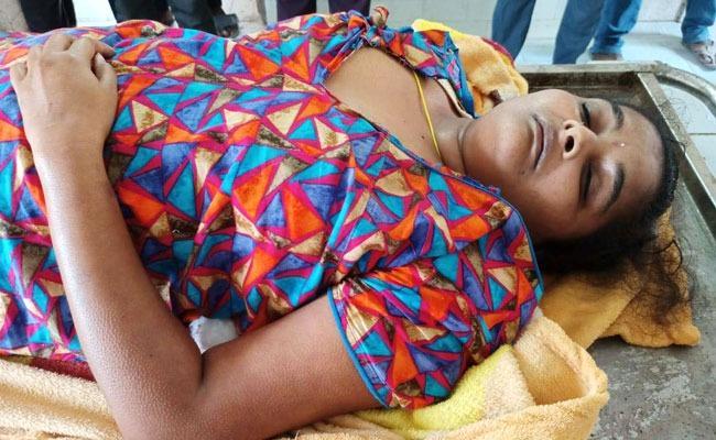 Married Woman Suicide Over Dowry Harassment In Huzurnagar - Sakshi