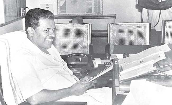 Pinarayi Vijayan set for a record second term in Kerala - Sakshi